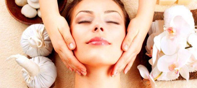 Trattamento per il benessere del viso: il massaggio facciale